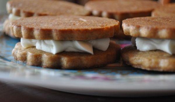 Almond Spice Sandwich