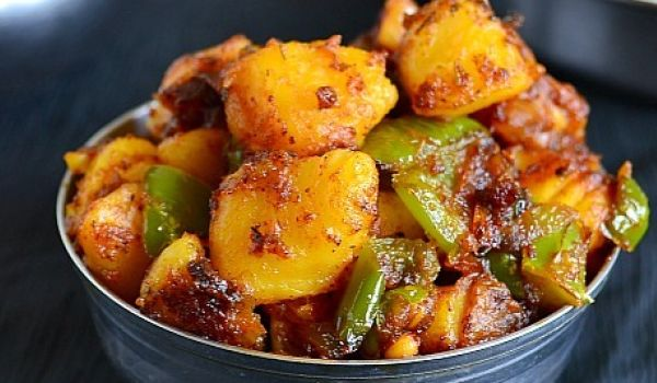 Need A Quick Fix For Todays Lunch The Aloo Capsicum Fry Is Just What You This Punjabi Dish Can Further Be Enjoyed If Served With Hot Rotis On Cold