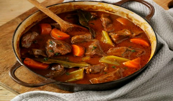 Beef Casserole with Onions