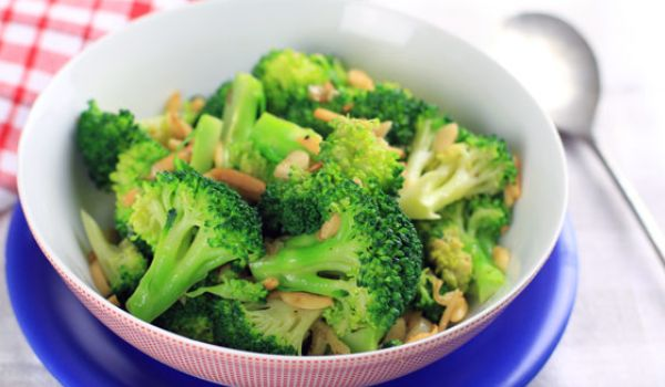 Broccoli with Butter Sauce