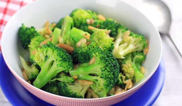 Buttered Broccoli With Almonds Recipe