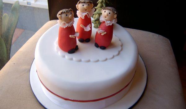 Carol Singing Cake
