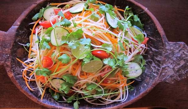 Carrot and Raw Papaya Salad Recipe