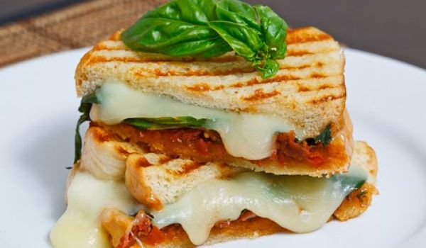 Cheese Tomato Sandwich