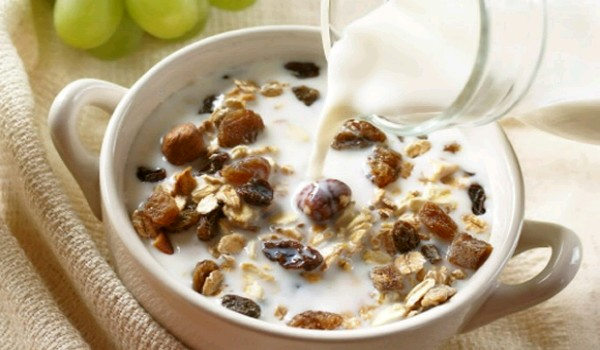 Fruit And Oat Muesli Recipe
