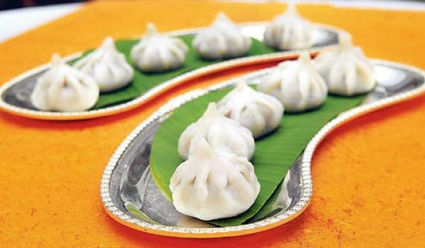 Maharashtrian recipes maharashtrian cuisine marathi food recipe might seem like hot piping momos but the ingredients of this indian dish is far different from the world famous asian snack quite popular during the forumfinder Image collections