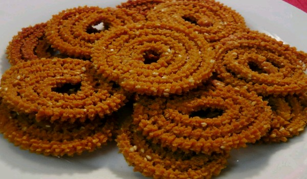 Moong Dal Chakli Recipe