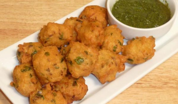 Indian fast food recipes healthy fast food recipe easy fast food moong vada is a very popular recipe learn how to makeprepare moong vada by following this easy recipe forumfinder Images
