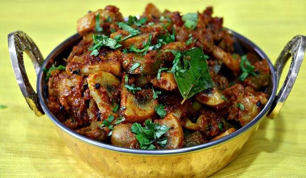 Mushroom Capsicum Curry Recipe