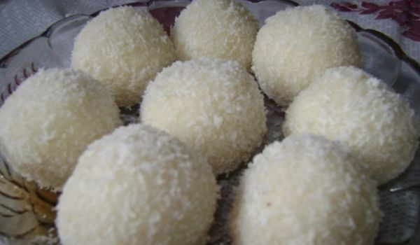 Narikel Laddoo