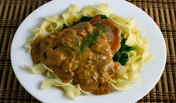 Pork Chops With Sour Cream And Mushroom Sauce