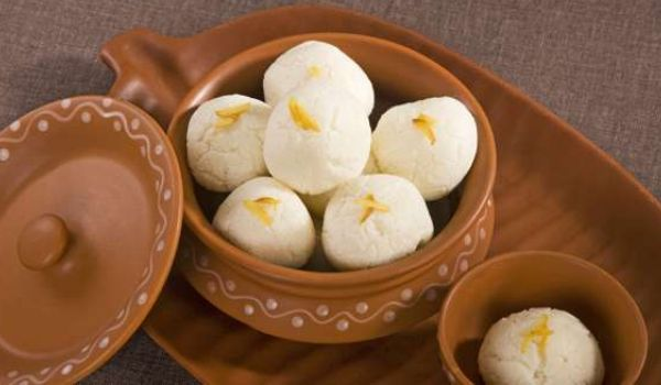 Bengali recipes east india bengali cuisine indian bengali food no bengali festival or celebration is complete without rasgulla most of the time this mouthful of sweetness marks the beginning as well as the end of any forumfinder Choice Image