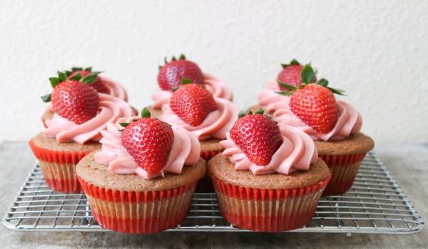 Strawberry Cup Cakes Recipe